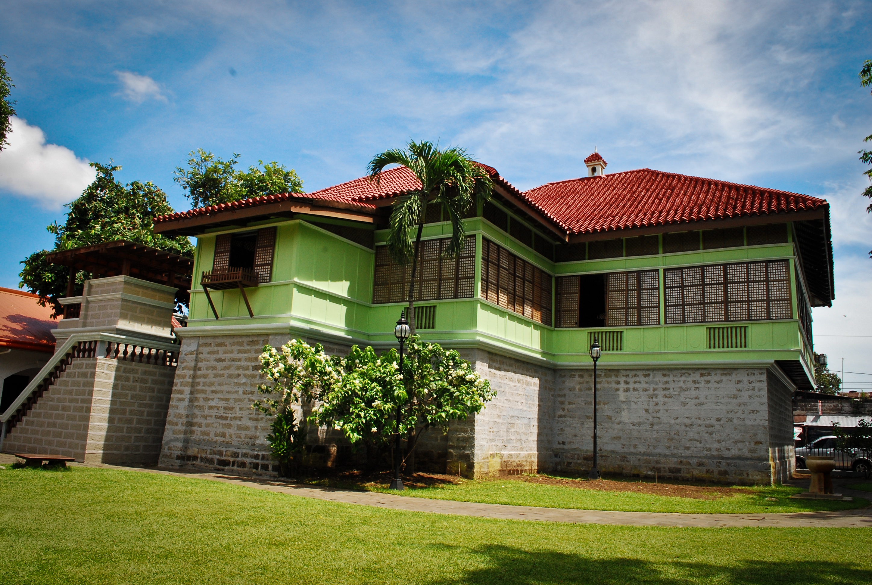 further Tropical Filipino Design For A Family Home further Photoblog Calamba Rizal Shrine as well Carlo 4 Bedroom 2 Story House Floor Plan further Northwoods. on 2 storey house design philippines